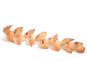 ベーコンエピ 260円:エピはフランス語で「麦の穂」といいます。ベーコンの旨味がいっぱいです。