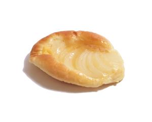 洋梨とカスタードのブリオッシュ 180円:フレッシュバターと黄卵がたっぷり入った贅沢なブリオッシュ生地に自家製カスタードと洋梨がぴったり。