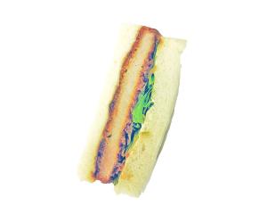 カツサンド 230円:九州産のロース豚カツを使用し、キャベツとレタスをサンド。甘辛ソースで仕上げました。