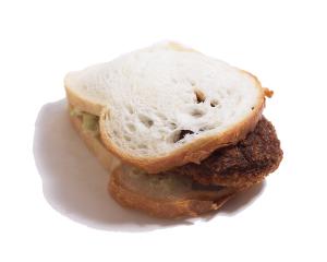 メンチカツ 260円:大きな合挽きメンチカツが入った、ボリューム満点のサンドイッチです。